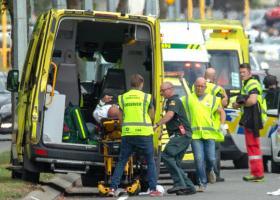 Νέα Ζηλανδία: «Σφαγή» με 49 νεκρούς από επιθέσεις σε δύο τεμένη στην πόλη Κράιστσερτς - Κεντρική Εικόνα