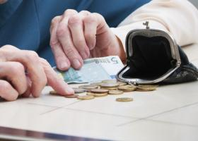 Περικοπές ως και 40% στις επικουρικές συντάξεις- Ποιοι συνταξιούχοι είναι στο στόχαστρο - Κεντρική Εικόνα