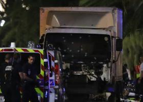 Ο οδηγός του φορτηγού στη Νίκαια άνοιξε και πυρ κατά του πλήθους - Κεντρική Εικόνα