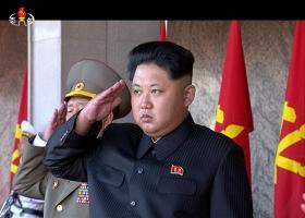Ο Κιμ Γιονγκ-Ουν επισκέφθηκε εργοστάσιο καλλυντικών μαζί με την σύζυγο και την αδελφή του - Κεντρική Εικόνα