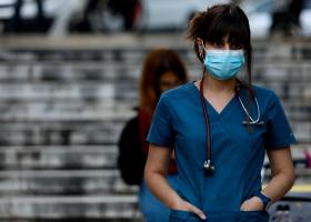 Κορωνοϊός: Ακόμα τρεις θάνατοι σε λίγες ώρες - Στους 355 οι νεκροί στην Ελλάδα - Κεντρική Εικόνα