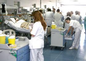 Άνοιξε ο δρόμος για την απόλυση χιλιάδων συμβασιούχων από τα νοσοκομεία - Κεντρική Εικόνα