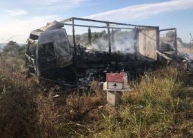 Τραγωδία στην Καβάλα: 11 μετανάστες απανθρακώθηκαν μετά τη σύγκρουση ΙΧ με φορτηγό (photos) - Κεντρική Εικόνα