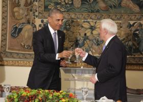 Τελικά ο Ομπάμα φοράει πάντα το ίδιο κοστούμι; - Κεντρική Εικόνα