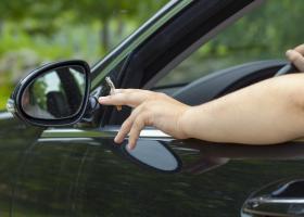 Κάπνισμα και οδήγηση: Πρόστιμα από 1.500 ευρώ και αφαίρεση διπλώματος! - Κεντρική Εικόνα