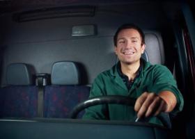 Ψηφίστηκε κατά πλειοψηφία το νομοσχέδιο για το νέο σύστημα αδειών οδήγησης - Κεντρική Εικόνα