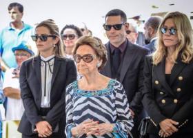 Η οικογένεια Λάτση σε σπάνια κοινή εμφάνιση στο Κατάκολο (photos) - Κεντρική Εικόνα