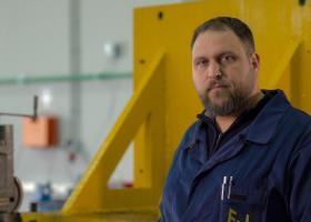 Σε λειτουργία το πρώτο ελληνικό εργοστάσιο παραγωγής ανεμογεννητριών - Κεντρική Εικόνα