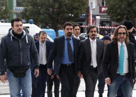 Ελεύθεροι «πολιορκημένοι» οι 8 Tούρκοι αξιωματικοί – Φόβοι για σχέδιο απαγωγής ή δολοφονίας - Κεντρική Εικόνα