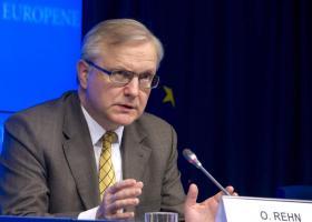 Η ΕΚΤ είναι έτοιμη να δράσει εάν δεν υπάρξει βελτίωση στην οικονομία της ευρωζώνης, δηλώνει ο Όλι Ρεν - Κεντρική Εικόνα