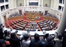 Ψηφίστηκε με ευρεία πλειοψηφία το νομοσχέδιο για την αντιμετώπιση της αδήλωτης εργασίας - Κεντρική Εικόνα