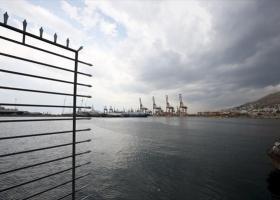 Τρεις νέες γερανογέφυρες στο terminal της Cosco - Αναστολή της απεργίας - Κεντρική Εικόνα