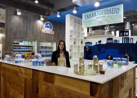 Τέσσερα προϊόντα της Όλυμπος βραβεύτηκαν στην παγκόσμια έκθεση για τρόφιμα και ποτά Sial (photos) - Κεντρική Εικόνα