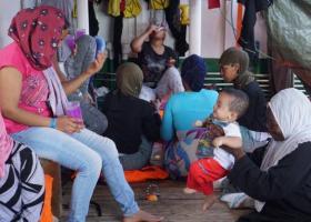 Τρεις μετανάστες αποβιβάστηκαν από το Open Arms για ιατρικούς λόγους - Κεντρική Εικόνα