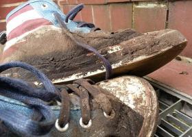 Τετράχρονη φόρεσε καινούρια παπούτσια και έπαθε σηψαιμία - Κεντρική Εικόνα 41ae366981b