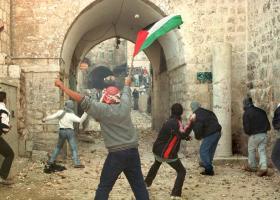 Νεαρός Παλαιστινιος υπέκυψε από πραγματικά πυρά ισραηλινών στρατιωτών - Κεντρική Εικόνα