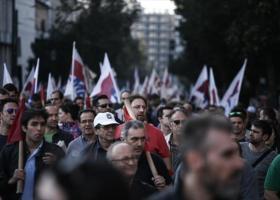 Συλλαλητήριο του ΠΑΜΕ στο Σύνταγμα με φόντο τα εργασιακά - Κεντρική Εικόνα