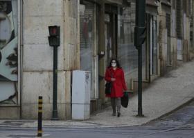 Ελεύθεροι επαγγελματίες: Αναβάλλεται για τον Ιανουάριο η καταβολή του έκτακτου επιδόματος των 400 ευρώ - Κεντρική Εικόνα