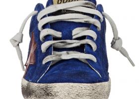 Βρήκε «μποναμά» μέσα σε παπούτσια που αγόρασε και τον επέστρεψε! - Κεντρική  Εικόνα a565e4dec53