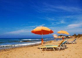 Ποιες παραλίες είναι ακατάλληλες για κολύμπι σε δημοφιλές νησί του Σαρωνικού (λίστα) - Κεντρική Εικόνα