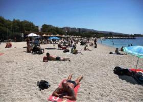Κομβικό το Σαββατοκύριακο για την περαιτέρω χαλάρωση των μέτρων - Πώς θα λειτουργήσουν οι παραλίες - Κεντρική Εικόνα