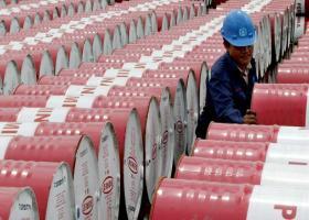 Υποχώρηση στις διεθνείς τιμές του πετρελαίου - Κεντρική Εικόνα