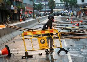 Νέες συγκρούσεις διαδηλωτών-αστυνομίας στο Χονγκ Κονγκ - Κεντρική Εικόνα