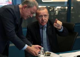 Συρία: Ο Ερντογάν απορρίπτει την διαμεσολάβηση Τραμπ - Εμπάργκο όπλων κατά της Τουρκίας εξετάζει η ΕΕ - Κεντρική Εικόνα