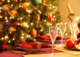 Έρευνα Deloitte: Στα 450 ευρώ ο προϋπολογισμός του Έλληνα καταναλωτή για τα Χριστούγεννα - Κεντρική Εικόνα