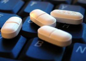 «Μαϊμού» 1 στα 2 φάρμακα μέσω διαδικτύου! - Πώς να κάνετε ασφαλείς αγορές online - Κεντρική Εικόνα