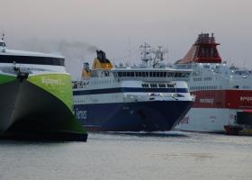 Δεμένα τα πλοία στα λιμάνια λόγω 24ωρης απεργίας της ΠΝΟ - Κεντρική Εικόνα