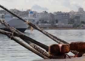 Δεμένα τα πλοία την Πρωτομαγιά - Κεντρική Εικόνα