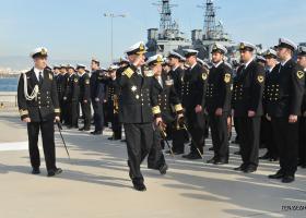 Το Πολεμικό Ναυτικό τίμησε 5 στελέχη του για την πολυετή θητεία τους σε πολεμικά πλοία - Κεντρική Εικόνα