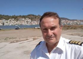Γιος νεκρού πιλότου στον Πόρο: Ο πατέρας μου πετούσε γιατί δεν είχε βγει η σύνταξή του - Κεντρική Εικόνα
