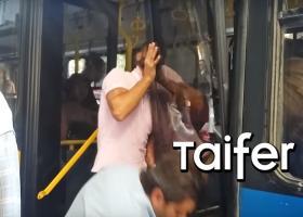 Ξεχαρβαλώθηκε εν κινήσει λεωφορείο του ΟΑΣΘ: Επιβάτες έμειναν με την... πόρτα στο χέρι! (video) - Κεντρική Εικόνα
