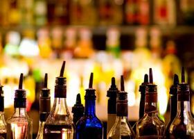 Παράνομα ποτά και αναβολικά βρήκε το ΣΔΟΕ σε γνωστό μπαρ στο Γκάζι - Κεντρική Εικόνα