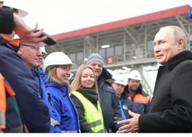 Ο Πούτιν εγκαινίασε ένα «ιστορικό» έργο, τον πρώτο αυτοκινητόδρομο Μόσχα - Αγία Πετρούπολη - Κεντρική Εικόνα