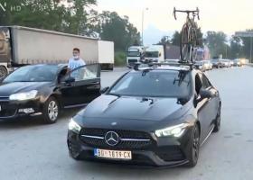 Προμαχώνας: Συνωστισμός... Σέρβων τουριστών που πέρασαν τα σύνορα πριν την απαγόρευση - Κεντρική Εικόνα