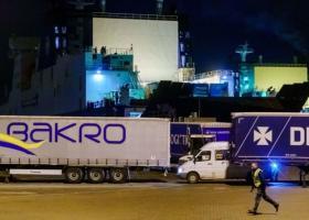 Σώοι εντοπίστηκαν 25 μετανάστες σε φορτηγό πλοίο με προορισμό τη Βρετανία - Κεντρική Εικόνα