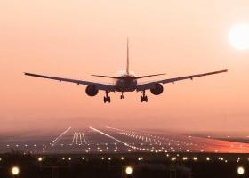 Αναγκαστική προσγείωση στην Κολωνία για το αεροσκάφος της Μέρκελ - Κεντρική Εικόνα