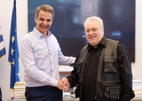 Πώς υποδέχτηκαν τη θέση τους στο... εξωκοινοβούλιο Τατσόπουλος και Ψαριανός  - Κεντρική Εικόνα