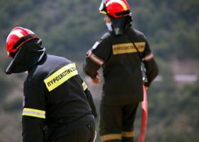 Πυρκαγιά στη Μάνη - Τραυματίστηκαν δύο πυροσβέστες - Κεντρική Εικόνα
