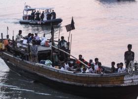 Ο δήμαρχος του Παλέρμο αψηφά τον ακροδεξιό Σαλβίνι και επιτρέπει τον ελλιμενισμό του πλοίου με τους 629 μετανάστες - Κεντρική Εικόνα