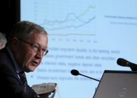 Ρέγκλινγκ: Ανοιχτό το ενδεχόμενο μείωσης των πλεονασμάτων μετά το 2020 - Κεντρική Εικόνα