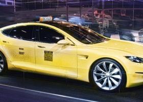 O Έλον Μασκ υπόσχεται στόλο από ρομπο-ταξί χωρίς οδηγό ως το 2020 (video) - Κεντρική Εικόνα