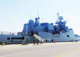 Μια υπερφρεγάτα από τη Ρωσία στο λιμάνι της Κέρκυρας - Κεντρική Εικόνα