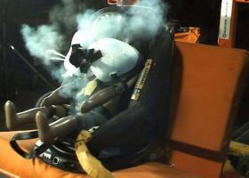 Τα παιδικά καθισματάκια αποκτούν αερόσακους (video) - Κεντρική Εικόνα