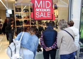 Καταναλωτές στην εποχή του κορωνοϊού: Ποιοι είναι οι «Cut deep», τι επιλέγουν οι «Stay calm, carry on»! - Κεντρική Εικόνα