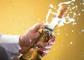 ΕΦΕΤ: Προληπτική ανάκληση αφρώδους οίνου - Κεντρική Εικόνα