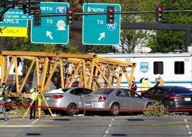 ΗΠΑ: Γερανός κατέρρευσε στο Σιάτλ - Τέσσερις νεκροί - Κεντρική Εικόνα